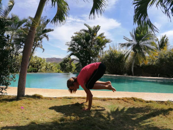 Yogastunden am Pool in Costa Rica.